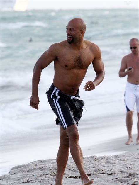common | Rapper Common beach running | Celebs